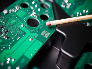 Datamatrix-Code als Laserbeschriftung auf einer Leiterplatte